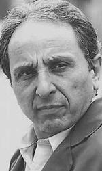 Incontriamo Ernesto Mahieux, attore atipico nel panorama cinematografico nostrano portato alla ribalta grazie a L'imbalsamatore, in cui interpretava un ... - intervista